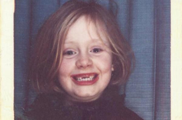 La fotografia di Adele da bambina (fonte: billboard.com)