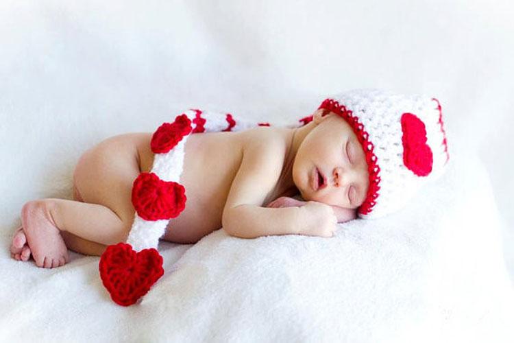 A San Valentino meglio lasciare i bimbi con nonni o babysitter per riscoprire l'intimità a due?
