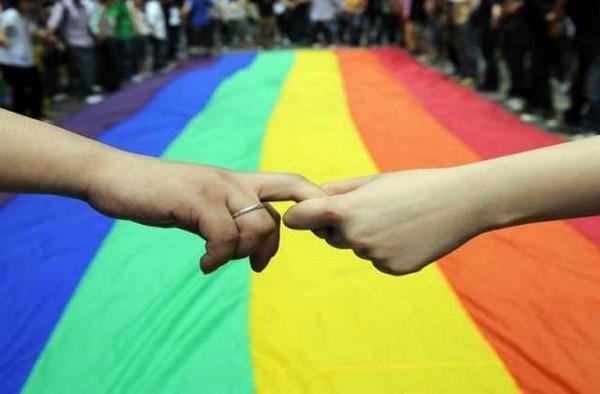 Il Tribunale di Roma riconosce l'adozione incrociata ad una coppia omosessuale (fonte: lifestar.it)