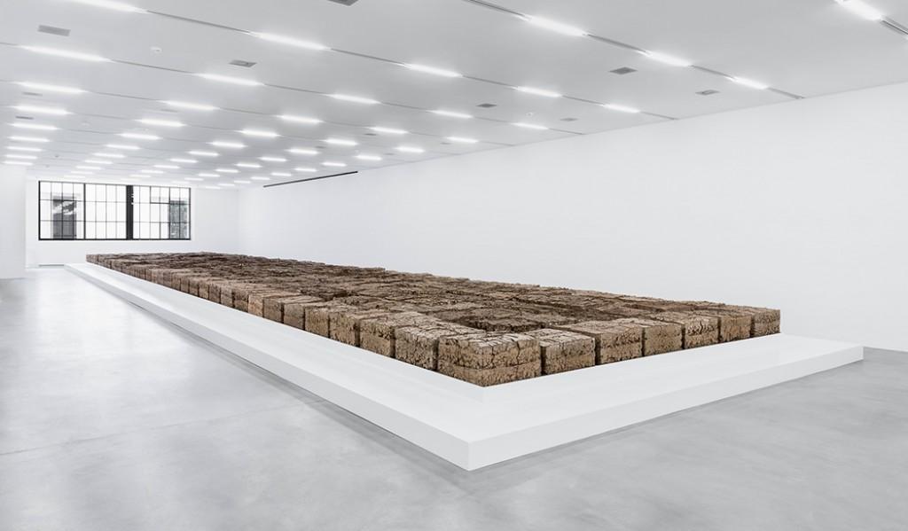 The Zurich Load, la straordinaria installazione dell'americano Mike Bouchet alla Biennale di Zurigo
