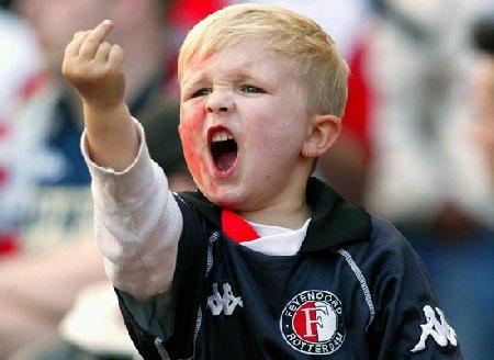 Attenzione! I bambini imitano i grandi...(foto: liviosgarbi.com)