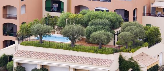 Giardino pensile sempre pi diffusa la tendenza di - Terrazzi e giardini pensili ...