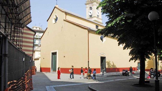 La parrocchia leginese di sant'Ambrogio: in piazza giocano i bambini (lastampa.it)