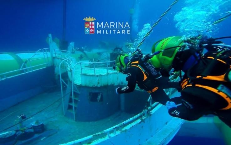 Il relitto del più tragico naufragio avvenuto il 18 aprile 2015 dove hanno perso la vita oltre 700 migranti (Fonte foto: www.tg24.sky.it)