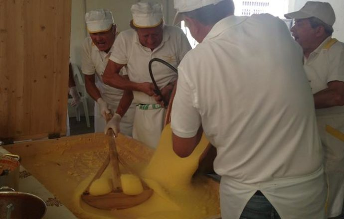 Sagra-Polenta-paiolo-e1504803188326-690x440
