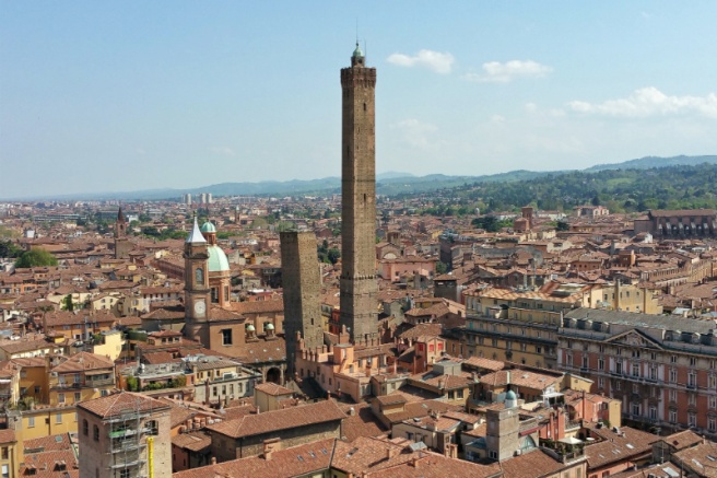 Torre Prendiparte Torri Tour Bologna 01