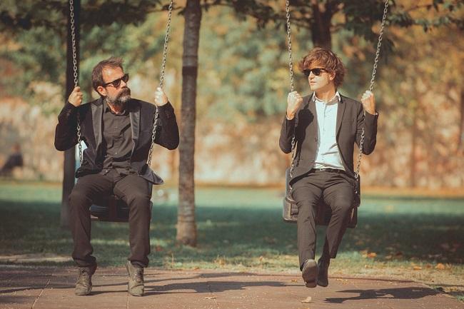 Il cantautore Dente ed il poeta Guido Catalano (source: www.guidocatalano.it)