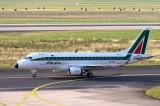 Accordo Alitalia Etihad: si complica il nodo esuberi
