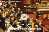Video – Ferrara (Gal) minaccia Santangelo (M5s): 'Ti faccio un culo così'