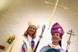 Chiesa in rosa, il primo sì europeo alle donne vescovo
