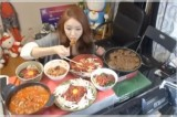 La giovane Park Seo-yeon guadagna novemila dollari al mese mangiando
