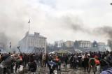L'Ucraina brucia. 26 morti e la prospettiva di uno scontro Ue-Russia