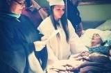 Studentessa si diploma al capezzale della madre malata di cancro