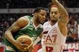 Basket playoff: Siena espugna Milano 68-72. Ora ha due match point