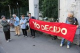 Bella ciao contro l'Ave Maria: sfida sull'aborto a Bologna