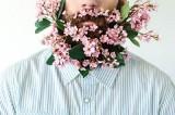 In USA impazza la flowerbeard: la barba hippy incastonata di fiori