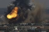 VIDEO Raid israeliano su Gaza: 28 morti, colpito un ospedale