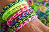 Braccialetti con gli elastici: contengono sostanze nocive per l'uomo