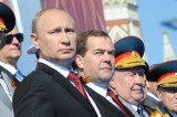 Crisi ucraina, Putin sfida l'Occidente e torna in Crimea