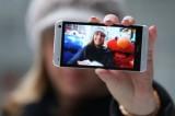 Il selfie diventa phone. Microsoft lancia Superman Phone