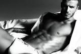 David Beckham rinuncia alle foto sexy: troppo vecchio per posare nudo