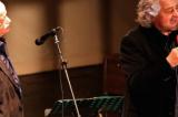 Beppe Grillo garantista per l'amico Gino Paoli: 'Indagato, non colpevole'