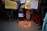 India, orrore infinito: 15enne stuprata per mesi e poi bruciata viva