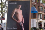 Danimarca. Candidato premier 'nudo' sui manifesti elettorali