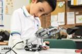 Protesi del braccio fatta di Lego: un aiuto fantasioso per i bambini