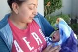 Studentessa confonde il cordone ombelicale di un neonato: lo evira