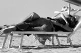 Sesso sfrenato in spiaggia, rischia l'amputazione del pene