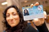 Il permesso di soggiorno costa troppo, Corte Ue boccia l'Italia