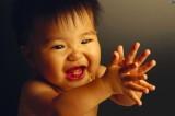 """Cina: calo demografico a Pechino, abolita la """"legge del figlio unico"""""""