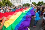 Grecia, il parlamento da l'ok alle unioni civili gay