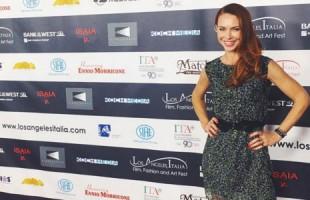 Yvonne Sciò cade sul red carpet: mutande non pervenute