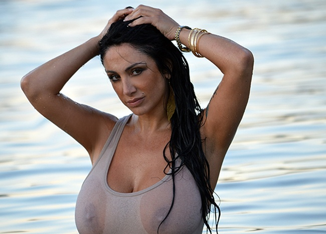 Marika Fruscio Calendario Hot.Video Marika Fruscio E Il Suo Sexy Ice Bucket Challenge
